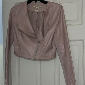 Cropped faux leather dusty pink jacket